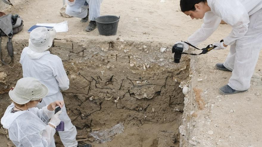 Hallados nuevos restos humanos con indicios de muerte violenta en el cementerio de San José