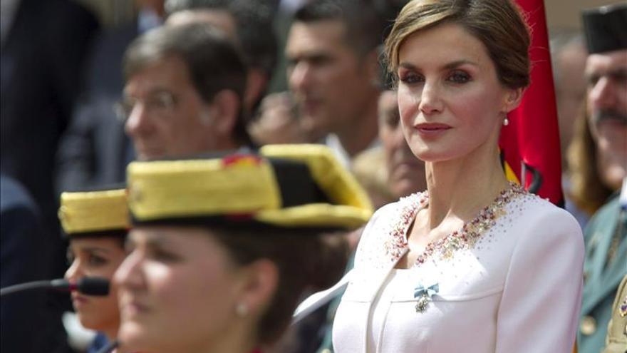 La Reina ensalza a la G.Civil y homenajea a los agentes asesinados por ETA