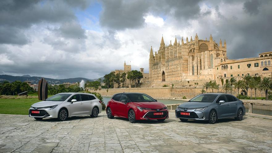 Los nuevos modelos equipan de serie la última versión de los dispositivos de seguridad y ayuda a la conducción de Toyota