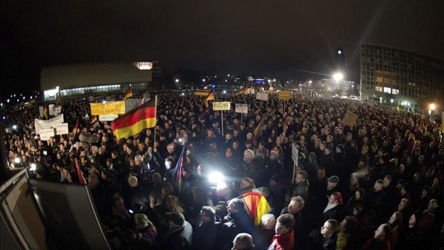 Miles de manifestantes secundan una marcha islamófoba en la Dresde alemana