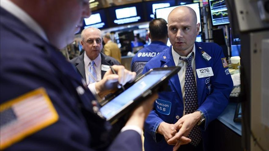 Wall Street cierra con ganancias y el Dow Jones avanza un 0,26 por ciento