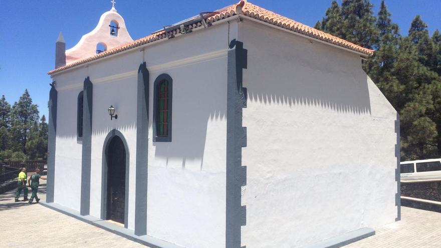 Las pintadas han sido eliminadas de las paredes de la ermita.