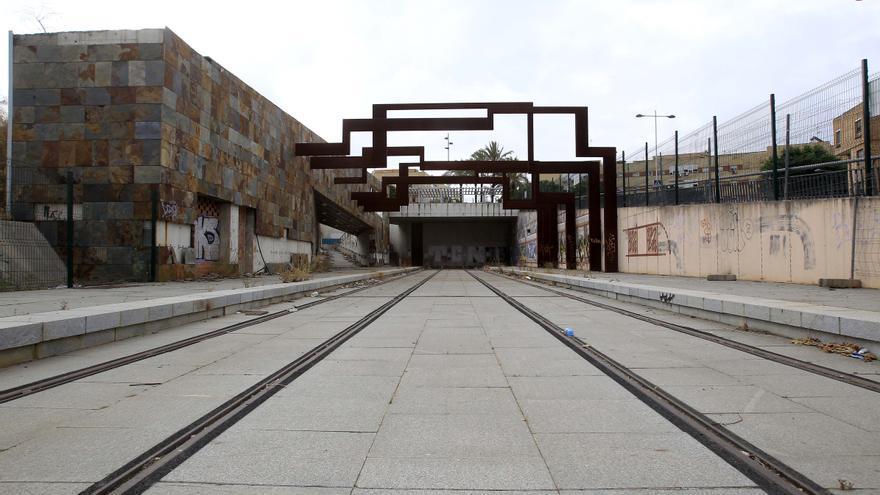 Archivo - Tramo acabado del tranvía de Alcalá