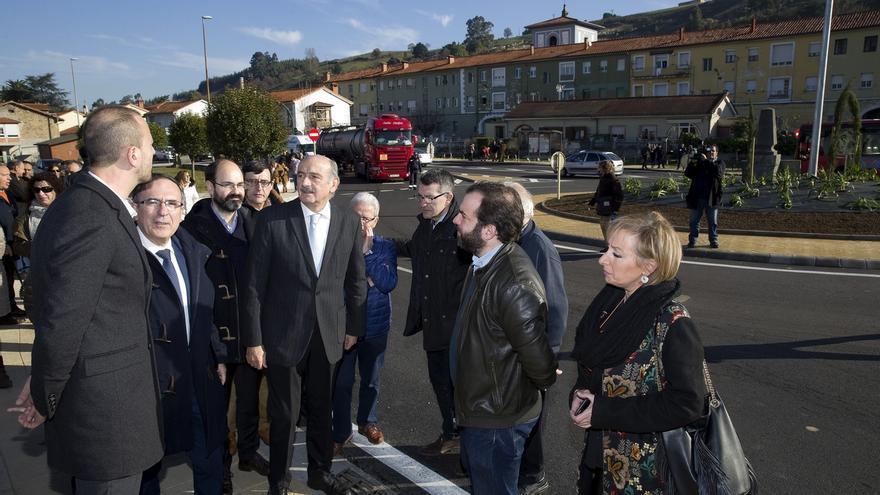 En funcionamiento la rotonda del puente de los Italianos que mejorará la seguridad vial
