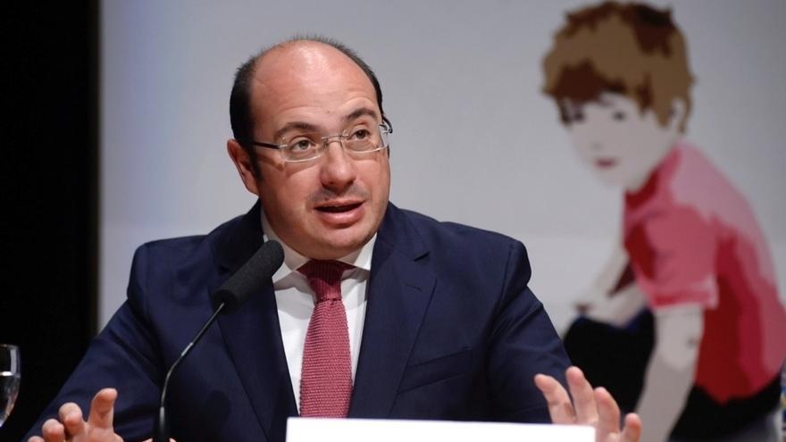 Rajoy conversó con Pedro Antonio Sánchez para dar una salida a la crisis abierta en Murcia