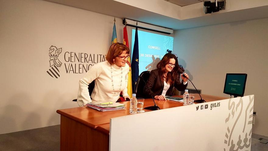 La consellera de Agricultura, Elena Cebrián, junto a la vicepresidenta del Consell, Mónica Oltra