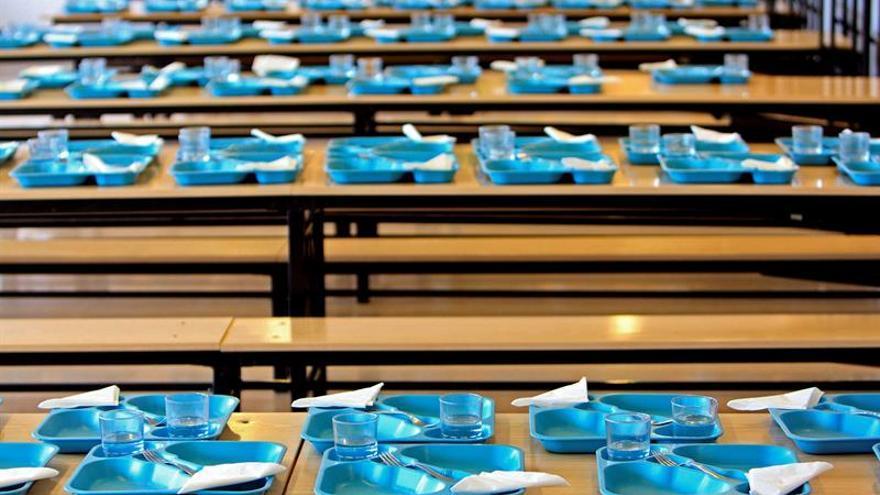 Detectan el transporte de comida a los colegios sin medidas de conservación