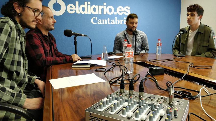 Entrevista de David Gutiérrez y Rubén Alonso a los jóvenes de 'Fridays For Future'. | ANDRÉS HERMOSA