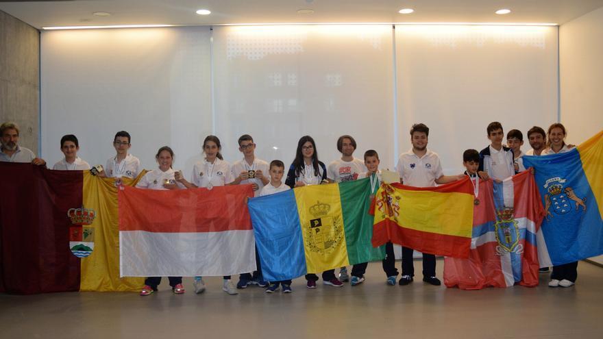 En la imagen, el equipo que compitió en las Olimpiadas Mentales de Londres.