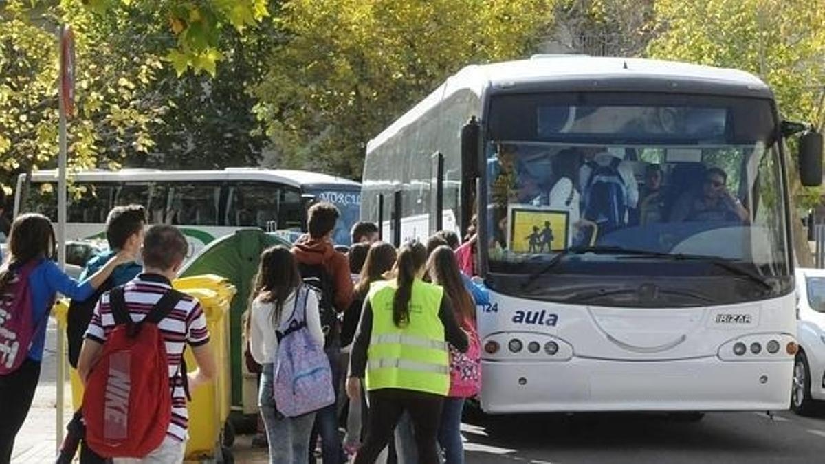 Imagen de recurso de un autobús escolar