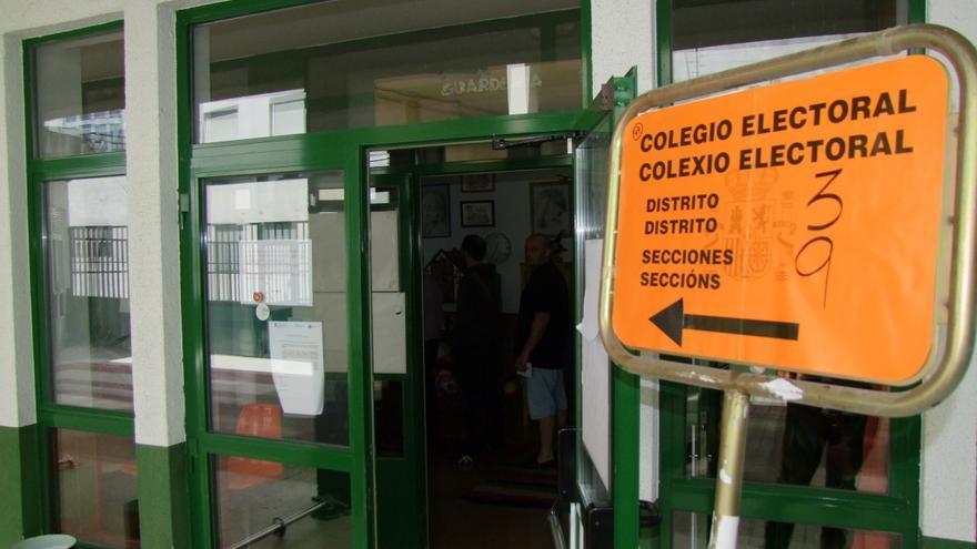 Colegio electoral en Lugo