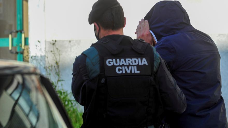 Diez detenidos en una operación antidroga en las provincias de Pontevedra y A Coruña
