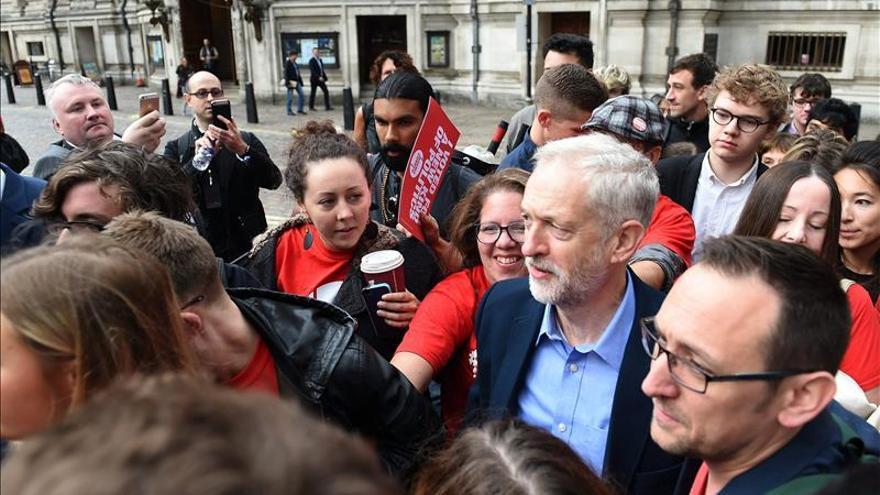 Jeremy Corbyn gana el liderazgo laborista con un programa antiausteridad