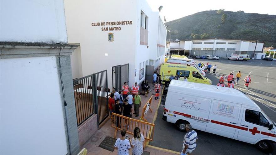 Desalojados por el incendio de Gran Canaria. (EFE/Ángel Medina)