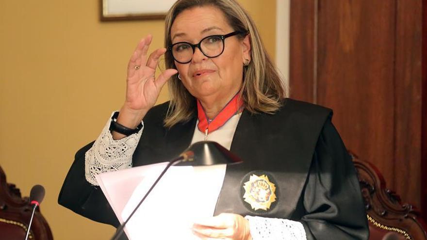 La fiscal jefe de la provincia de Santa cruz de Tenerife, Carmen Almendral, durante su intervención este viernes en el acto de apertura del Año Judicial en la provincia occidental. EFE/ Cristóbal García