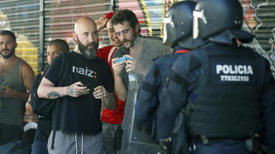 El concejal de la CUP Josep Garganté dice que un mosso le golpeó con una porra
