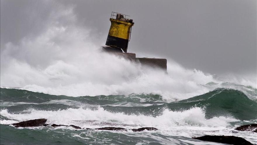 El litoral gallego y asturiano, en alerta naranja por fuerte oleaje
