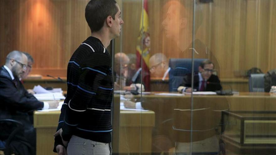 El Supremo confirma la condena a Ibai Peña por quemar 2 cajeros en Vitoria en 2006