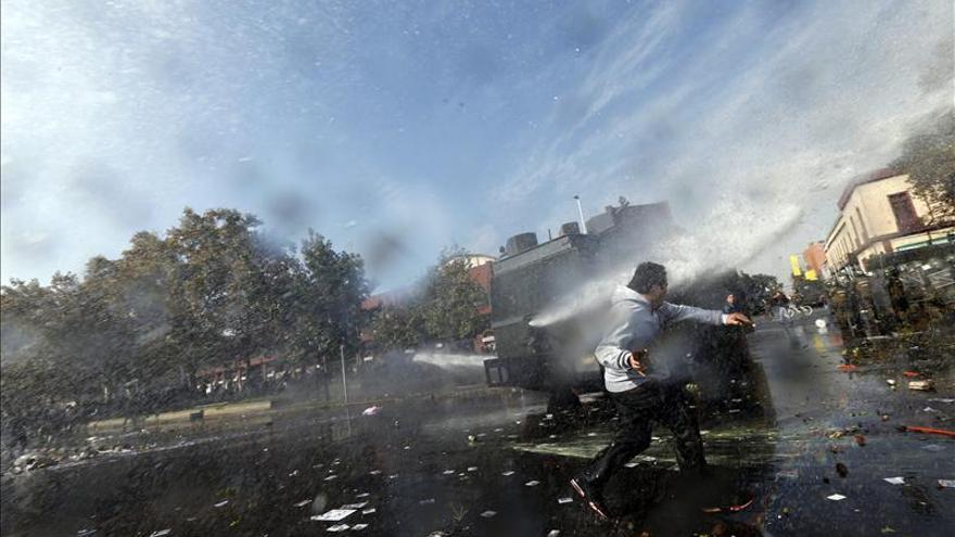 Presentan en Chile once querellas por los graves disturbios durante el 1 de Mayo