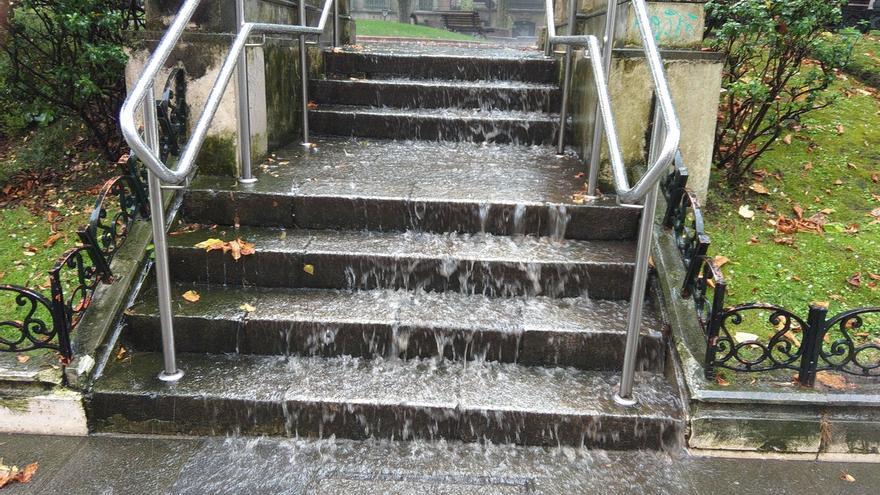 Euskadi activa el aviso amarillo para este domingo por lluvias intensas, que podría superar los 60 l/m2 en Gipuzkoa