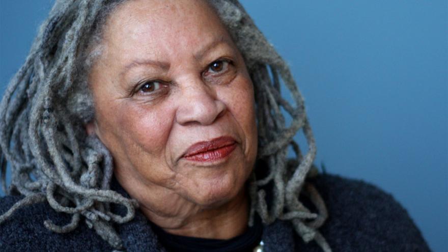 La autora Toni Morrison en un retrato realizado en 2012