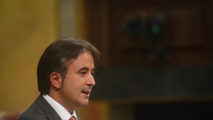 Movellán pregunta al Gobierno por el coste del posible peaje en las autovías de Cantabria