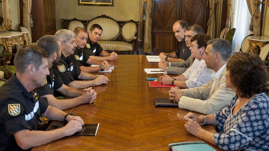 """Reunión del Gobierno foral y la Unidad Militar de Emergencias, que califican como """"muy positivo"""""""