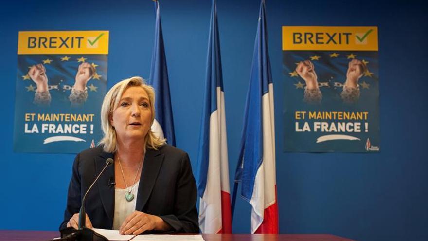 """Marine Le Pen felicita a Donald Trump """"y al pueblo americano libre"""""""