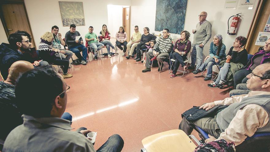 Grupo comunitario en el Polígono de Toledo