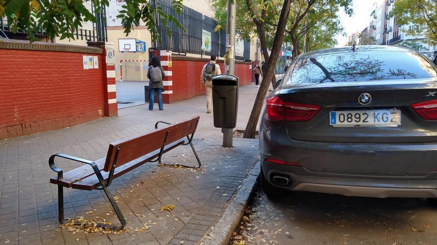 El Ayuntamiento suspende la ampliación de aceras contratada frente a un colegio de Guzmán el Bueno