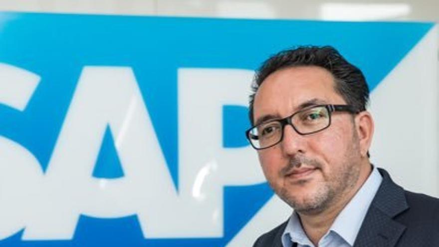 Cawa Younosi,responsable de recursos humanos de la multinacional alemana SAP