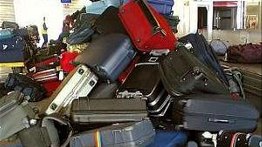 Pagar por facturar la segunda maleta es ''ilegal''