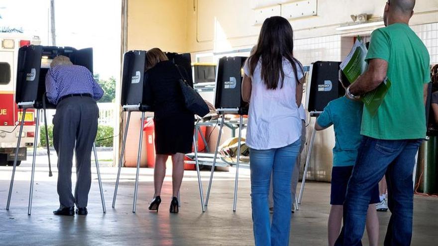 Jóvenes latinas se imponen en las primarias de Nueva York a candidatos veteranos