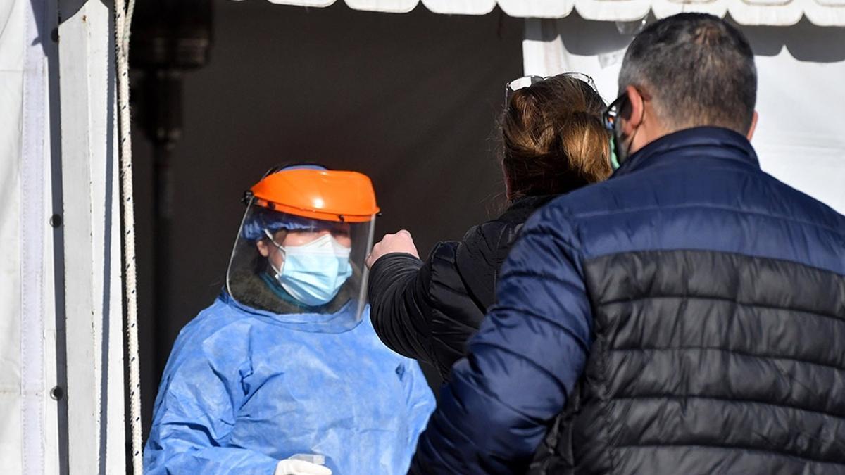 En Córdoba se activó un protocolo de búsqueda casa por casa de pacientes contagiados por un viajero proveniente de Perú.
