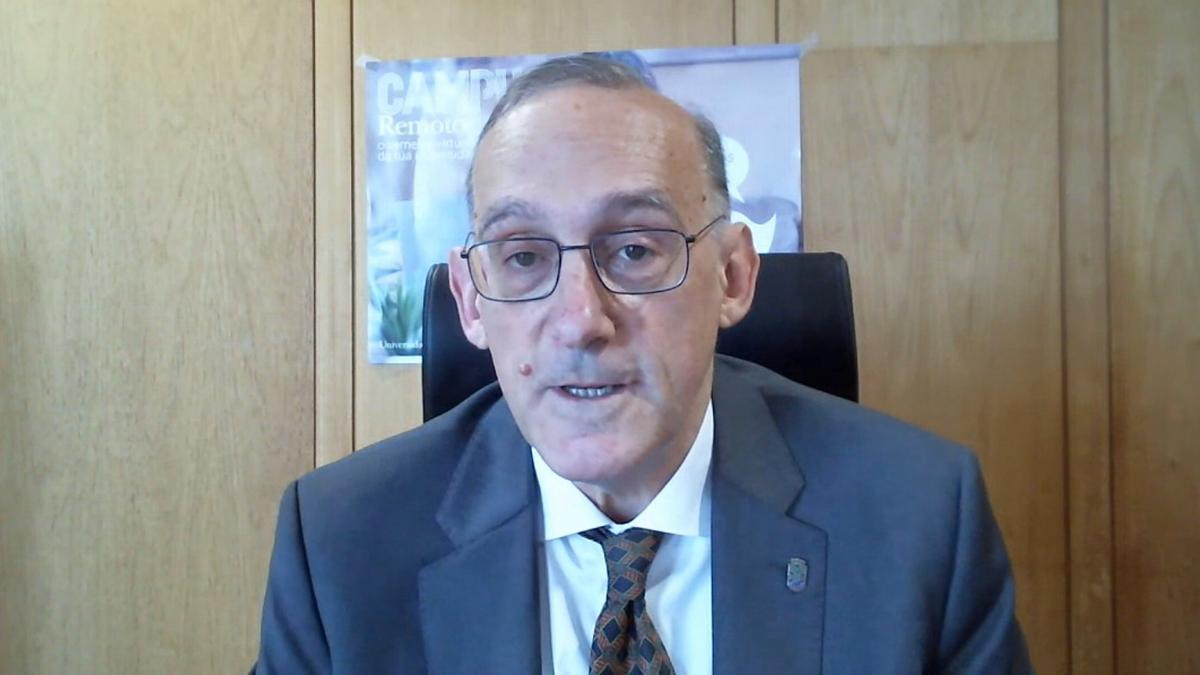 El rector de la Universidade de Vigo, Manuel Reigosa, durante una videoconferencia en una imagen de archivo