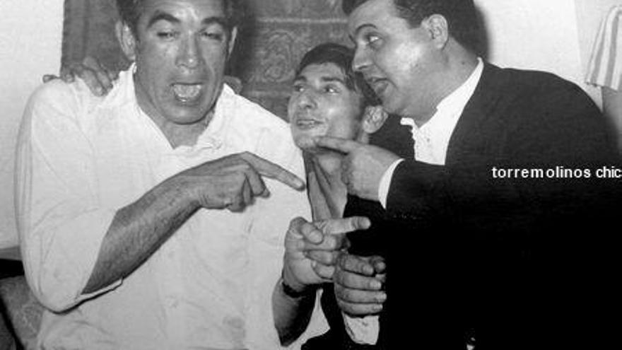 Anthony Quinn, El Carrete y Agustín Flores en la Bodega Andaluza (1959). Cedida por Paco Roji | Torremolinos Chic
