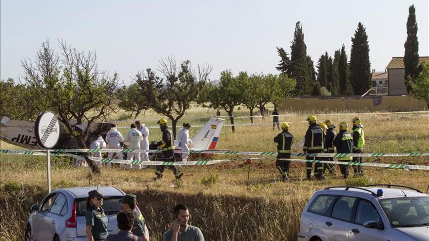 Tres muertos al estrellarse en Mallorca una avioneta cuyo piloto está herido