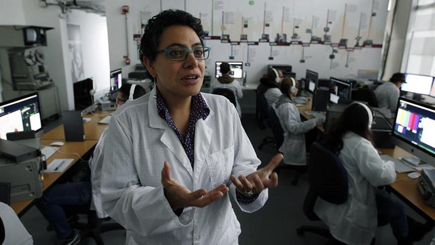Colombia rescata a contra reloj la memoria de su archivo televisivo