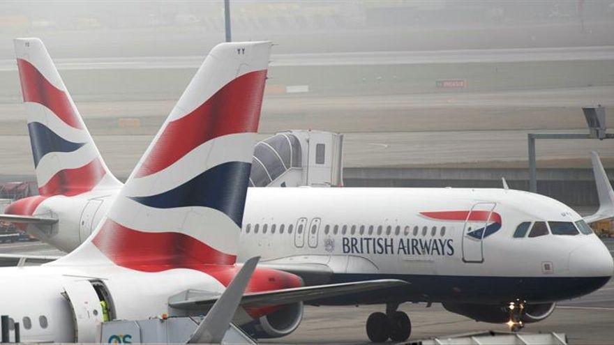 """El """"Brexit"""" será un lastre para el tráfico en los aeropuertos británicos, dice Moody's"""