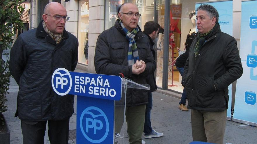 """Burgos (PP) dice que una Constitución """"hecha por todos"""" no puede ser sustituida por una """"hecha por unos cuantos"""""""