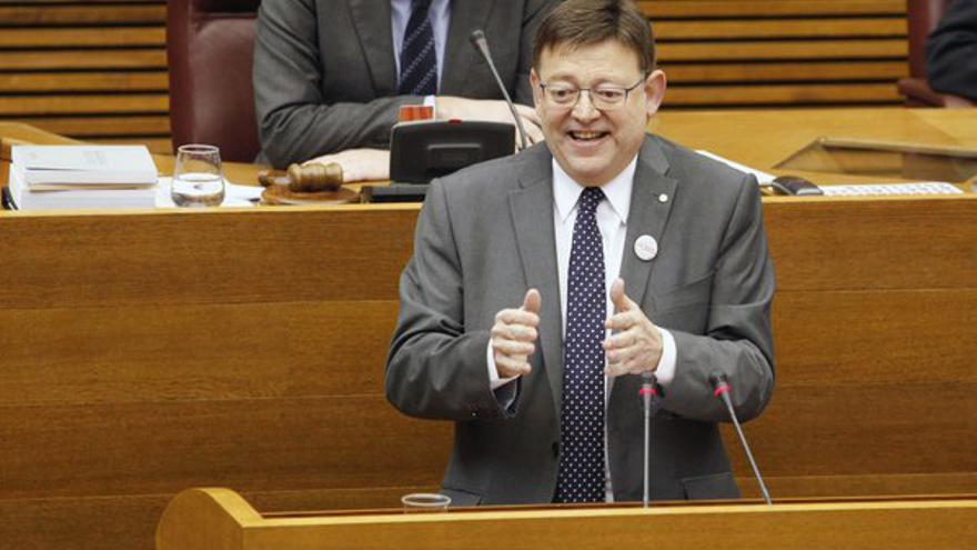 El president Ximo Puig durante su intervención en la sesión de control en las Corts