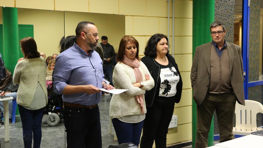 Jacinto Ortega, Mercedes Sanz, Diana Mujica y Javier Doreste, en la asamblea de Podemos en la que rindieron cuentas