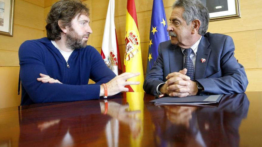 """Sánchez Arévalo refleja con su película 'Diecisiete', que es """"marca Cantabria"""", el """"amor"""" por esta tierra"""