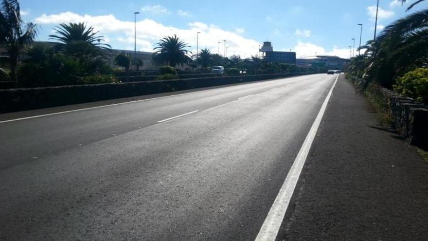 Vial de acceso al aeropuerto Tenerife Norte
