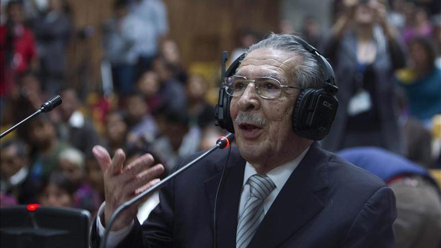 La Corte de Guatemala suspende de forma provisional el juicio por genocidio contra Ríos Montt