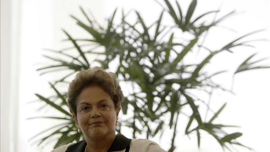 """Rousseff frente a un año que empieza """"horribilis"""" y todavía puede ser peor"""