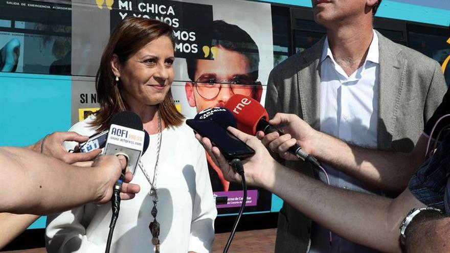 La directora del Instituto Canario de Igualdad (ICI), Claudina Morales, y el director Comercial y de Marketing de la empresa Global, Óscar Zamora