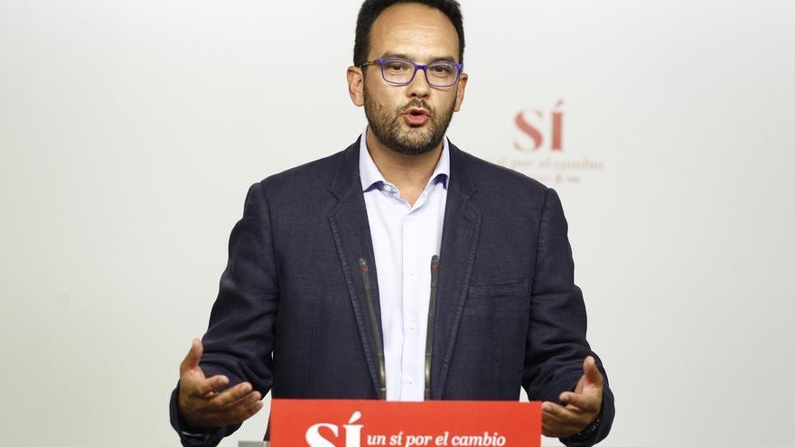 El PSOE aconseja a Rajoy buscar apoyo de CDC y PNV para gobernar, igual que para la mesa del Congreso
