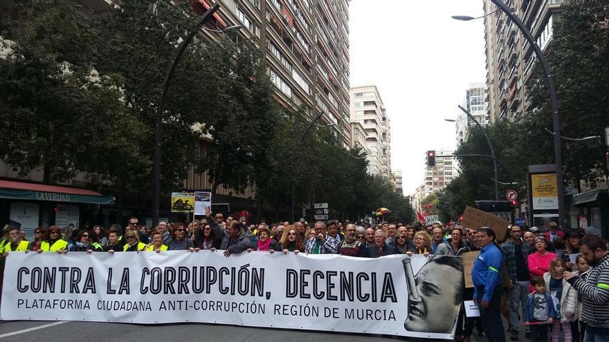 Murcia sale a la calle contra la corrupción