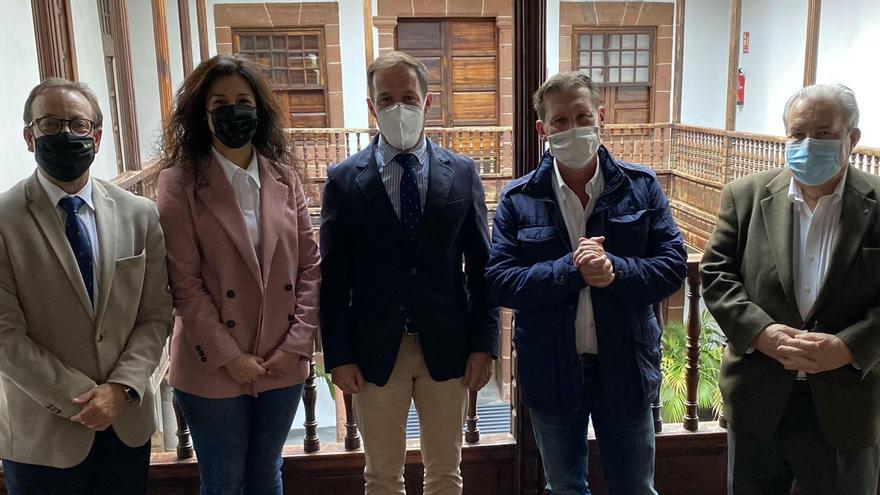 El IV Foro de Cajasiete analiza en La Palma la economía en época de pandemia